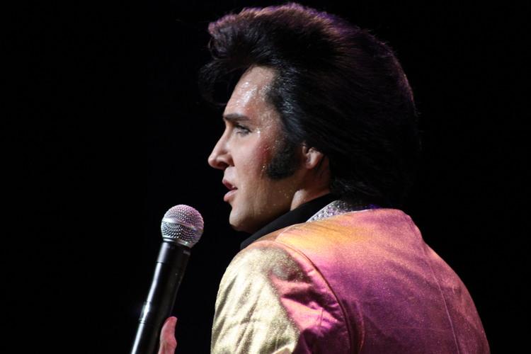 Elvis impersonator - Donny Edwards